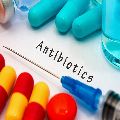 مصرف آنتیبیوتیک برای کودکان چاق کننده