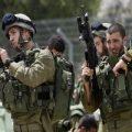 سرباز اسرائیلی در سطل زباله