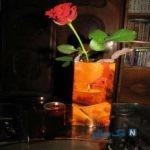 با بطری یک گلدان زیبا و متفاوت درست کنید
