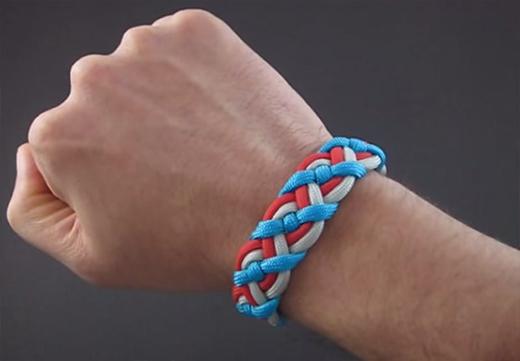 ساخت دستبند سلتیک بسیار زیبا و آسان با بند کفش +تصاویر