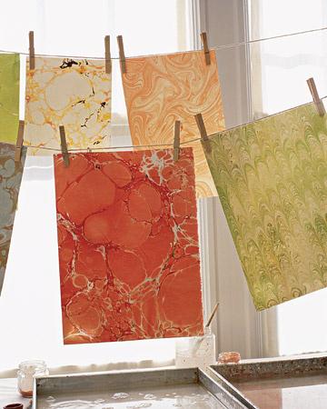 برای کارت پستال ها و هدیه های خود کاغذ های مرمری بسیار زیبا بسازید+تصاویر