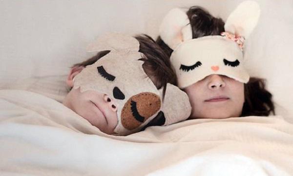 نقاب خواب پارچه ای بسیار دوست داشتنی برای کودکان بسازید تصاویر