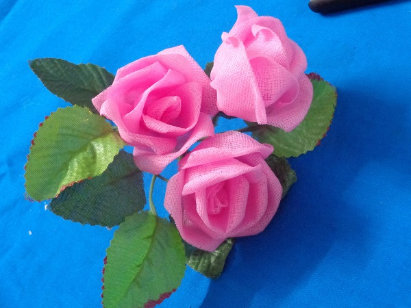 گل رز با تور بسازید و بهترین کادو را خودتان آماده کنید+تصاویر ساخت
