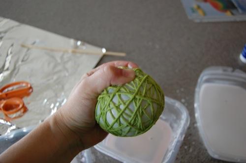 ساخت کاردستی توپ های نخی تزیینی