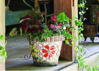 آموزش تزیین گلدان با سنگ ریزه و کاشی شکسته + تصاویر