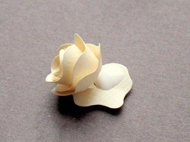 ساخت گل با کاغذ و مقوا