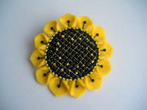 آموزش گل آفتابگردان نمدی از زیباترین کاردستی های تزیینی