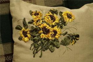 آموزش دوخت گل آفتابگردان زیبا مانند همه گل های روبانی دیگر
