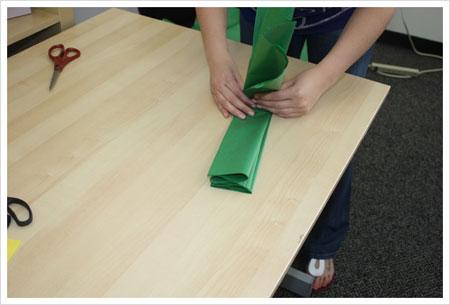 ساخت گل های کاغذی تزیینی