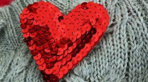 آموزش مرحله به مرحله ساختن قلب پولکی برای گل سینه