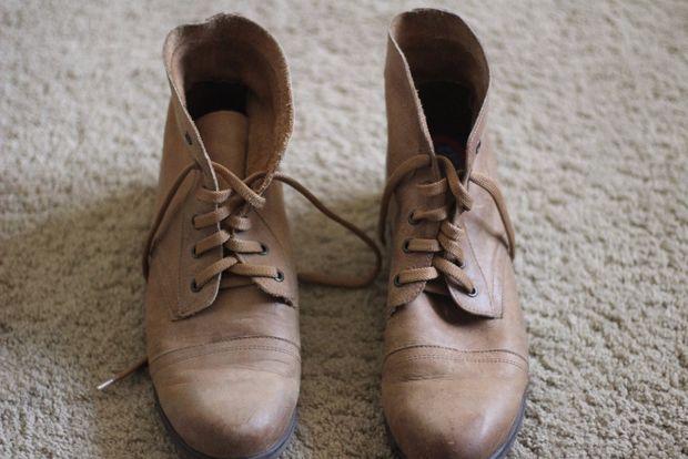 تزیین کفش های قدیمی