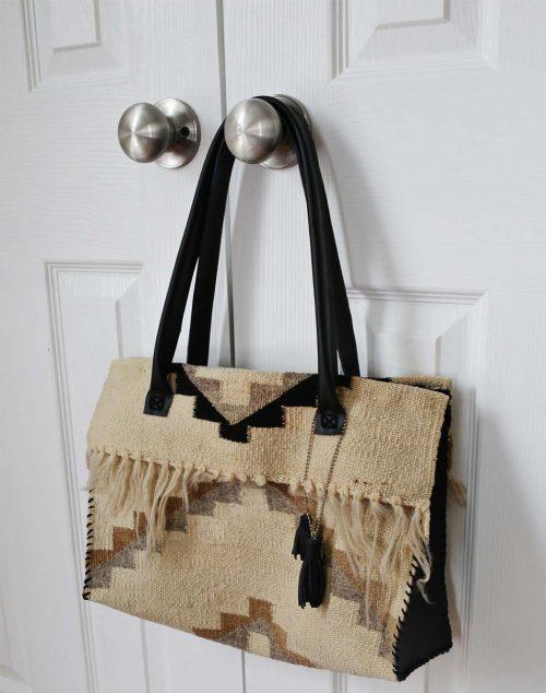 دوخت کیف گلیمی