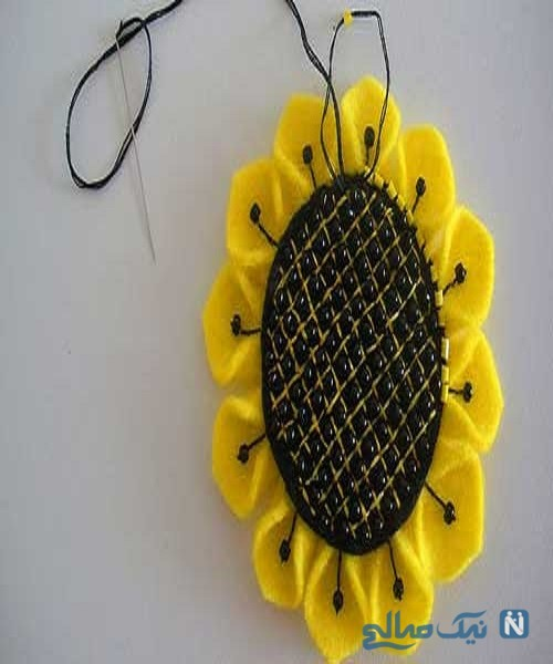 دوخت گل آفتابگردان نمدی برای تزئین