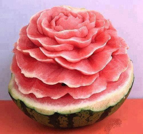 حکاکی روی هندوانه شب یلدا