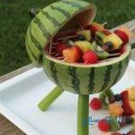 کباب پز هندوانه ای با میوه های رنگارنگ مخصوص تابستان +تصاویر