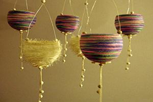 نحوه ساخت آویزهای تزئینی باکاموا دورریختنی+تصاویر