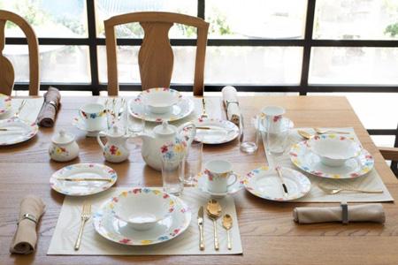 اصول چیدمان میز صبحانه برای یک پذیرایی شیک +تصاویر
