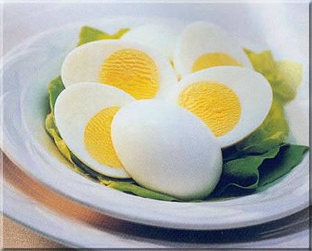 بوی بد تخم مرغ آب پز را ببرید