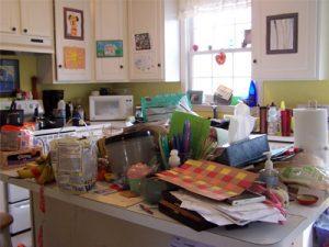 مرتب کردن خانه ی شلوغ با چند گام ساده واصولی برای خانم خانه دار