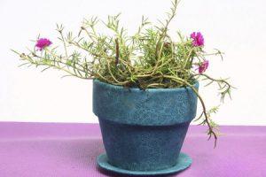 تزیین گلدان سفالی قدیمی با پارچه های رنگی و شیک درخانه