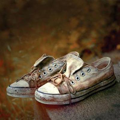 کفش های شوره دار شده درفصل پاییز و زمستان را با این روشها ازبین ببرید