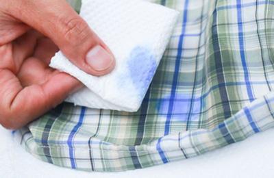 پاک کردن لکه جوهر از روی لباس با این ترفندهادرخانه