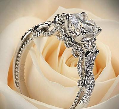 تمیز کردن حلقه های ازدواج الماس با این روش های مناسب