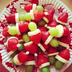 تزیین میوه به شکل بابانوئل برای کریسمس با توت فرنگی و هندوانه+تصاویر
