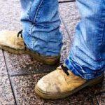 چطور از کفش های باران خورده شوره زدایی کنید؟!