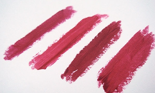 پاک کردن لکه های مختلف آرایشی به آسانی با این روش هادرخانه