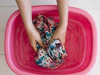 نحوه شستشوی لباس های مخصوص خشکشویی در خانه