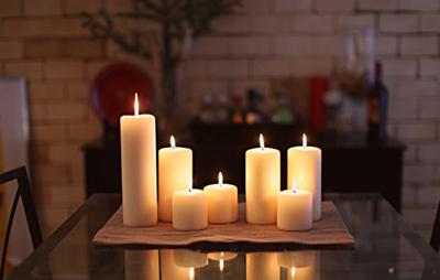 موم شمع را از روی سطوح مختلف چگونه پاک کنیم؟