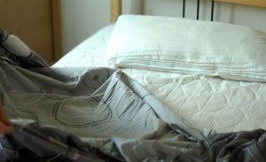 تمیز کردن تشک تخت