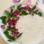 تزیین ماست و خیار با گل و سبزیجات + تصاویر