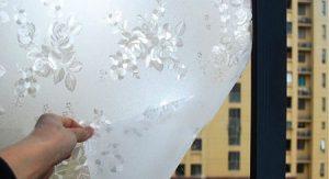 جداکردن برچسب شیشه مات کن، چاره چیست؟