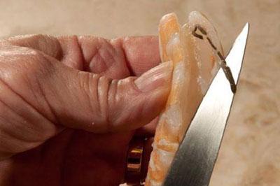 پاک کردن ماهی و میگو