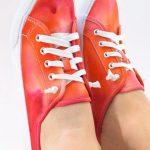 آموزش رنگ آمیزی کفش با یخ+تصاویر
