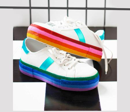 آموزش رنگ آمیزی کفش های اسپرت+تصاویر