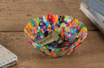 نحوه درست کردن کاسه تزیینی با دانه های پلاستیکی رنگی