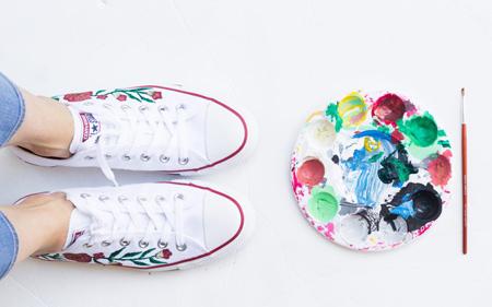 نقاشی روی کفش