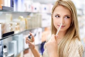 راهنمای تست کردن عطر و اصول خرید
