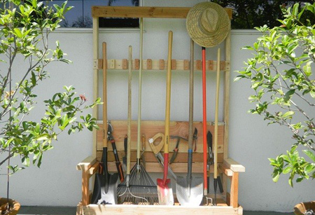نظم دادن به لوازم باغبانی