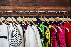 ۷ راهکار ساده برای طولانیتر شدن عمر لباسها