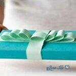ایده ای جالب برای تزیین زیبا کادو با روبان های رنگی +تصاویر