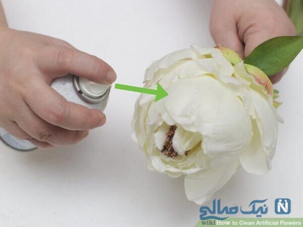 گل مصنوعی و تمیز کننده