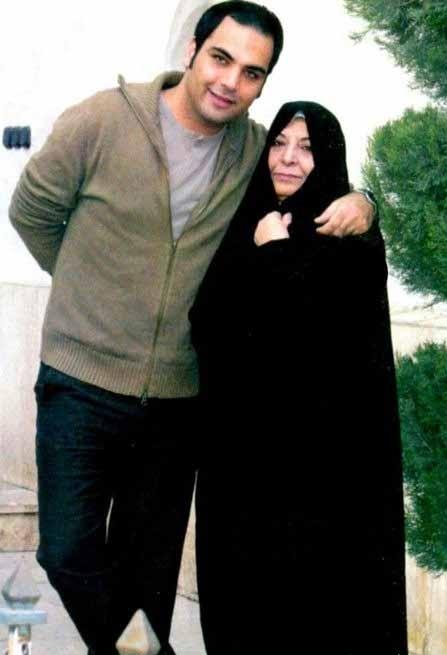 احسان علیخانی و مادرش + عکس