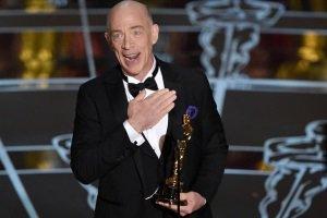 بازیگر برنده اسکار جایزه اش را در حمام گذاشت!!+عکس