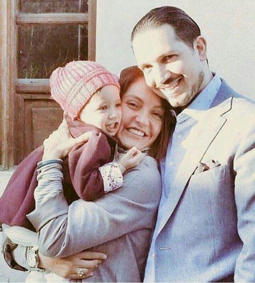 مهناز افشار به همراه همسر و دخترش لیانا