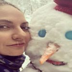 هنرمندان کشورمان در برف و ساختن آدم برفی های جالب!