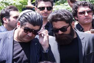 مراسم تدفین زنده یاد ناصر ملک مطیعی همراه با پیام تسلیت هنرمندان!